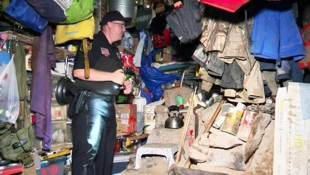 Un policier dans le bunker de Jeremiah Button