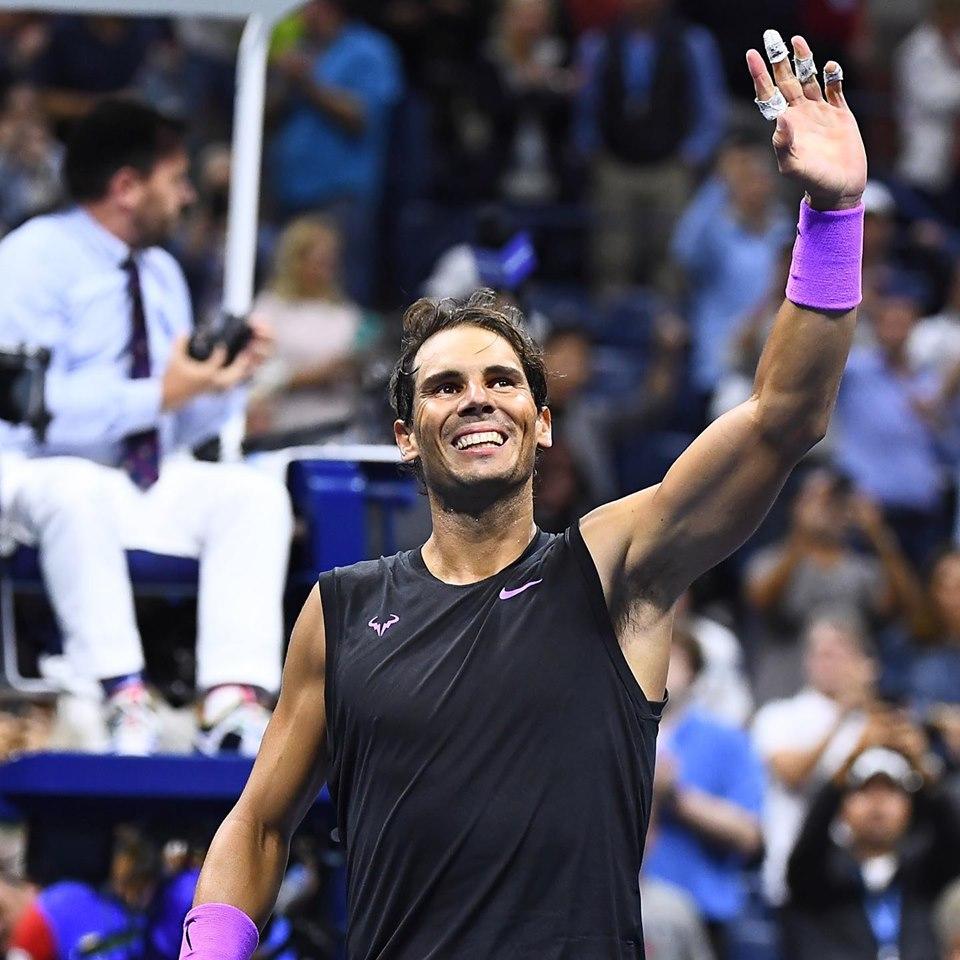 Rafael Nadal, saluant le public après sa demi finale à l'US Open 2019