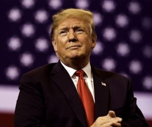 """Donald Trump a pris la défense de Joe Biden, après que la Corée du nord a traité le démocrate de """"chien enragé"""""""