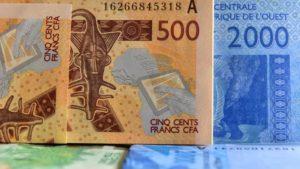 Après plusieurs réunions des chefs d'Etat africains, Emmanuel Macron a officiellement annoncé, le 21 décembre à Abidjan, la fin prochaine du Franc CFA, l'un des derniers vestiges de la « Françafrique ».