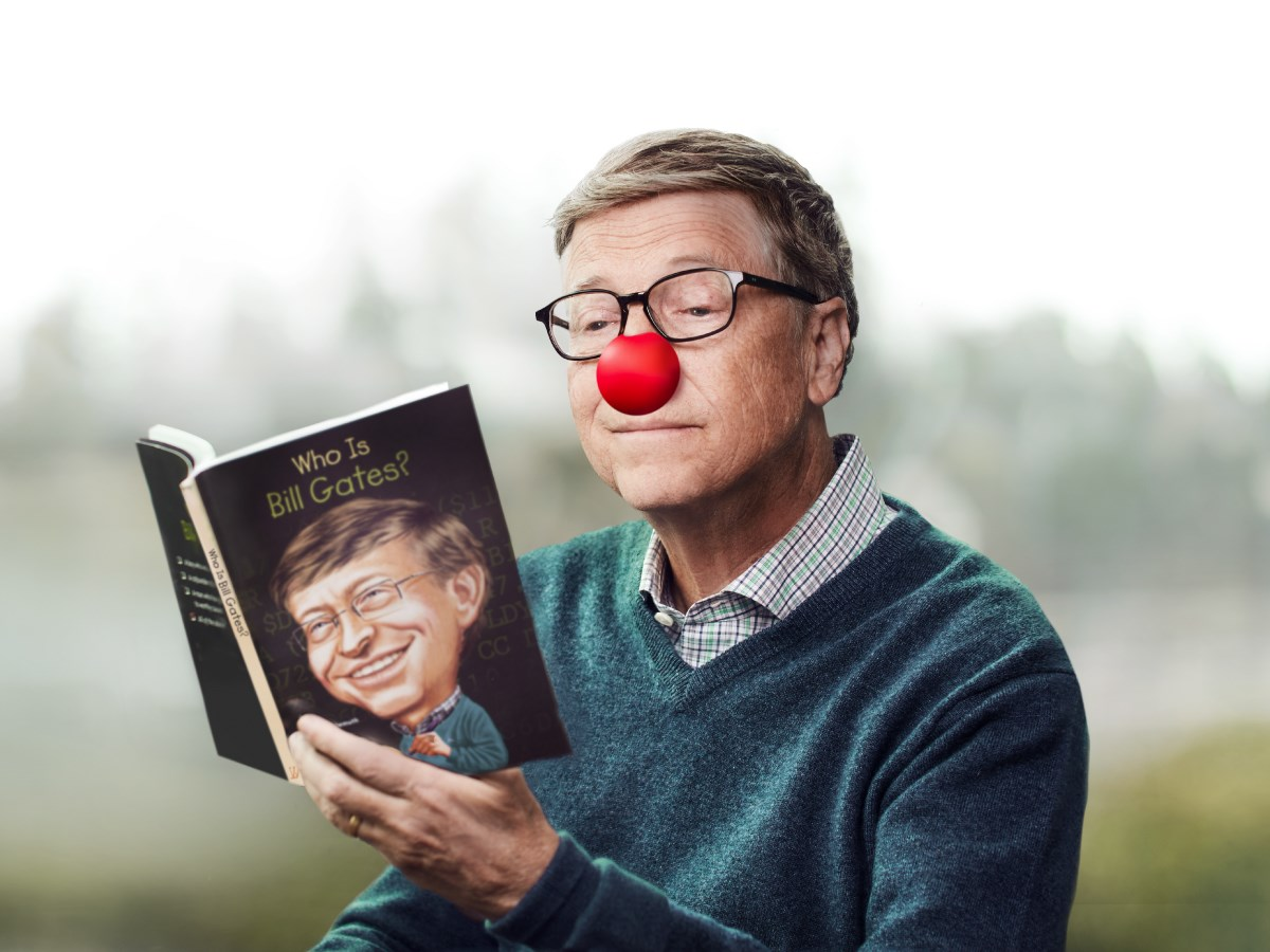 "Bill Gates lisant son autobiographie ""Who is Bill Gates?"""